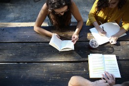 8 Ways to Make the Most of Study Groups